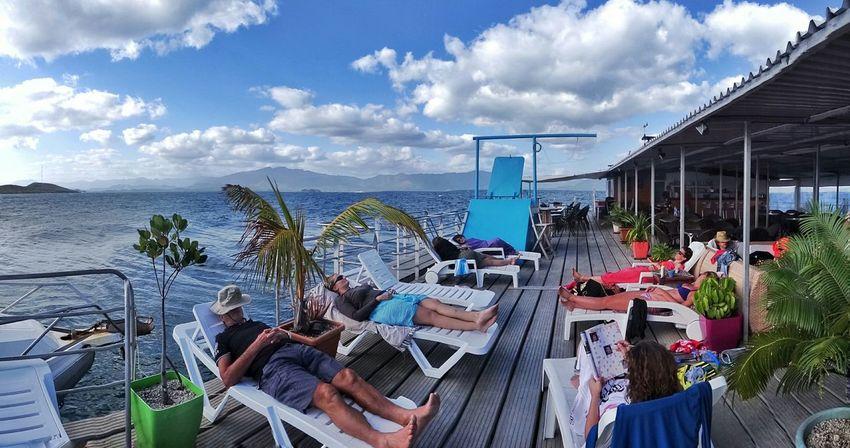 Enjoying The Sun Relaxing Escaping Nouvelle Calédonie Le Ponton Noumea Friends