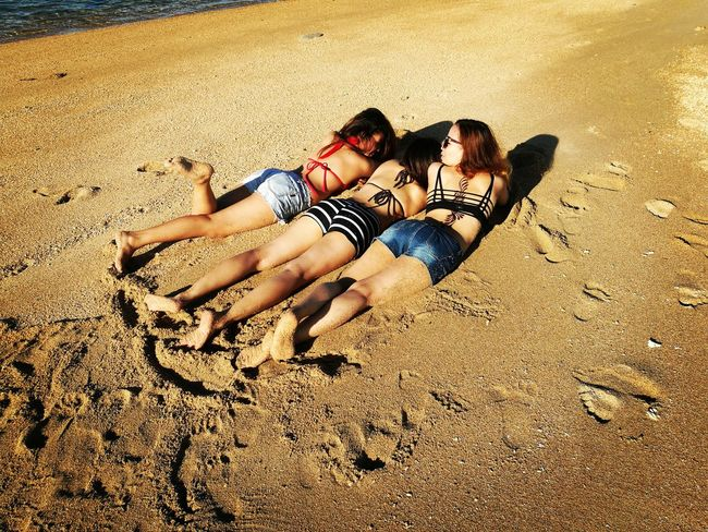 Beach Sunbathing☀ Friends ❤ FRIENDSHIPGOALS Coralstone Togetherness Day Out Outdoors Sand