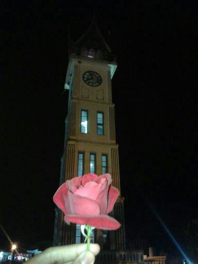 Red rose in big watch, bukittinggi.Time's never stop, watch always giving sound every second on our life Sound Of Life Check This Out