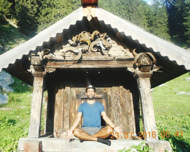 Architecture Religion Tree Built Structure Building Exterior Travel Destinations Day Outdoors Nature Adult Flower One Person Sky Adults Only Breathing Space Relax Manali ,Himachal Pradesh Good Vives🌞🌊💙 Bijali Mahadev Mounti Naag Kullu EyeEmNewHere Feeling Thankful Leisure Activity Sommergefühle Kullumanaliheaven