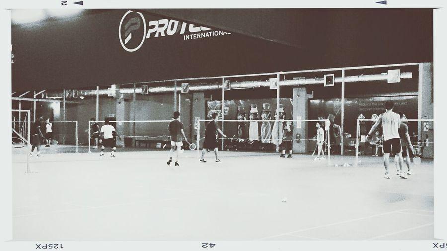 Badminton シ