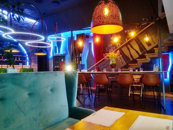 Viva Caffe Lounge Illuminated City Bar - Drink Establishment Nightlife
