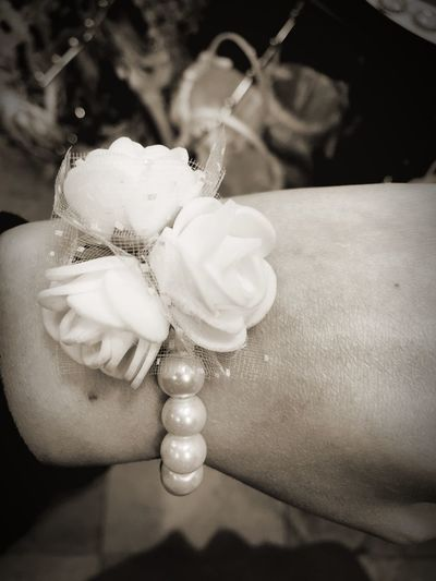 Rosé Flower Maid Of Honor Wedding Human Hand Hand Beads Bracelet Love Bridesmaids Fair Skin