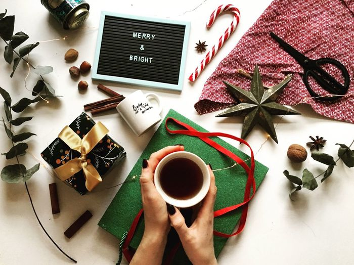 Christmas Decoration Christmastime Festive Season Christmas Lights Weinachten Flatlay Wrapping Gifts Red Green Holidays Table Food And Drink High Angle View Coffee - Drink Coffee Drink Coffee Cup