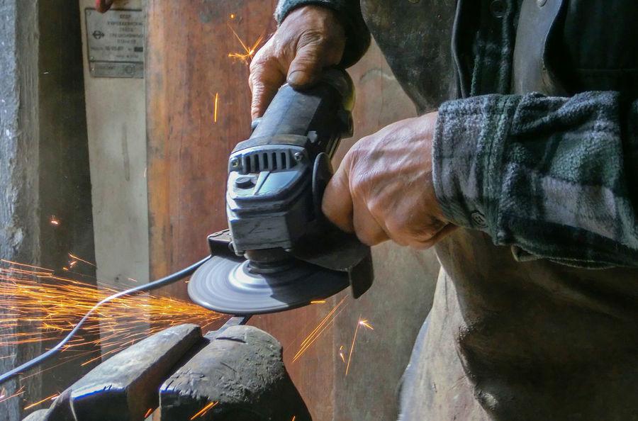 Blacksmith  Close-up Damaszener Stahl Forge  Forger Forging Hammer Hands At Work Handwerk Metal Metall Schmiede Schmiedekunst Schmieden Werkstatt Working Hard The Color Of Business