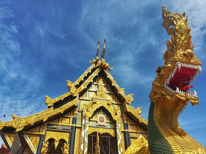 วัดท่าไม้ จ.สมุทรสาคร Architecture Statue Religion Travel Destinations Built Structure Building Exterior Sculpture Temple Buddhist Temple History EyeEm Gallery Huaweiphotography Eyeemthailand Samutsakorn Thailand