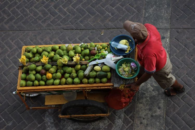 Full frame shot of fruits in crate