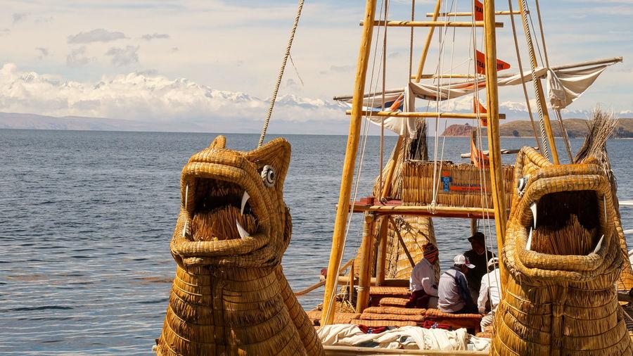 Reed boat in Bolivia. Boating Boats⛵️ Bolivia Reed Boat Boat Boats Bolivia Uyuni Fishing Boat Reed South America