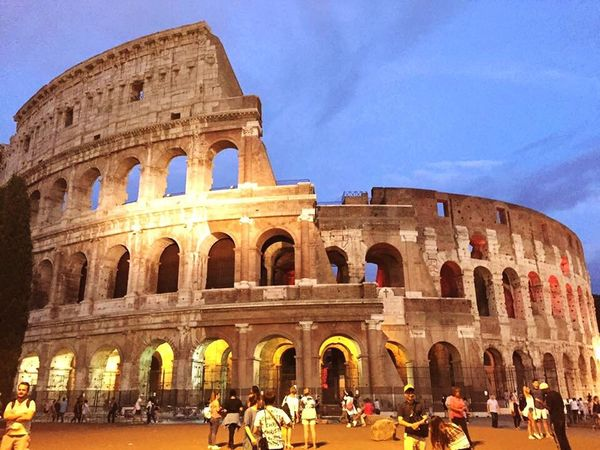 コロッセオ Amphitheater Old Ruin Tourism History Arch Large Group Of People Travel Destinations Architecture Built Structure Travel Ancient Real People Women Vacations Ancient Civilization Lifestyles Leisure Activity Building Exterior Italy Rome Colosseo World WorldTrip World Mission