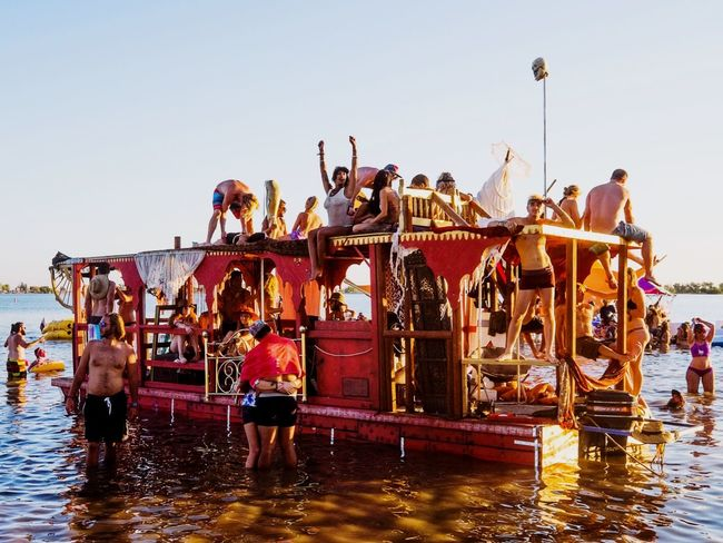 Swimbiosis at Symbiosis Gathering Great Performance Color Portrait For The Love Of Music Amazing Festival Check This Out Summer Views Summer People People Watching