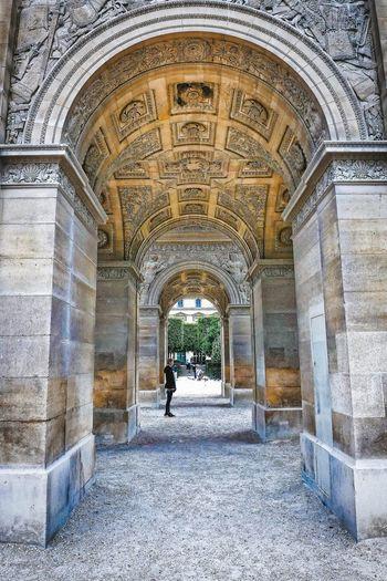 Arch Paris Streetphotography Urban City City View  Architecture_collection EyeEm Best Shots Travel Pattern Architecture Built Structure Historic Archway Arch Architectural Column Passage Arcade Passageway