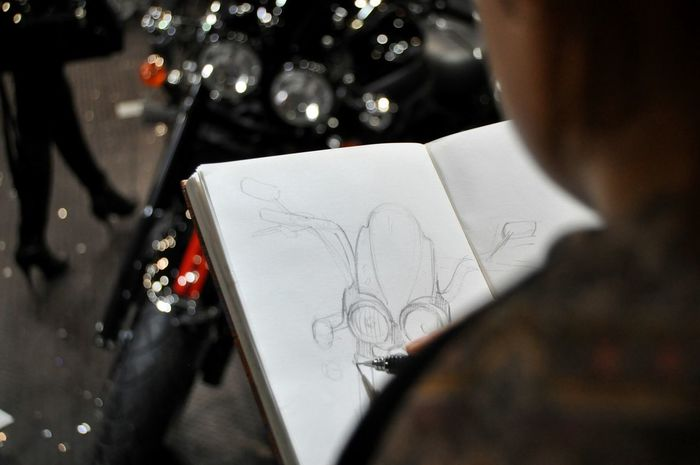 Color Photography Exhibition Motorcycles Triumph Motorcycle Drawing Girl Painting Sketching Young Women