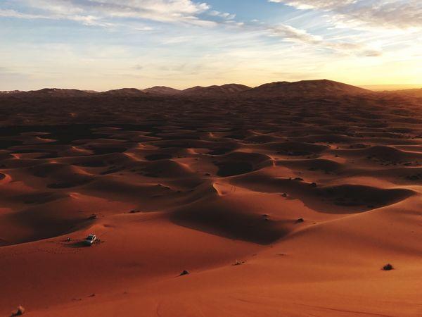 Dunes de Merzouga Masterclass insta : @voyagephotomaroc JeanChristopheLagarde Merzouga Sand Sand Dune Nature Scenics Arid Climate Landscape Tranquility Desert Outdoors Sunset Travel Destinations Beauty In Nature