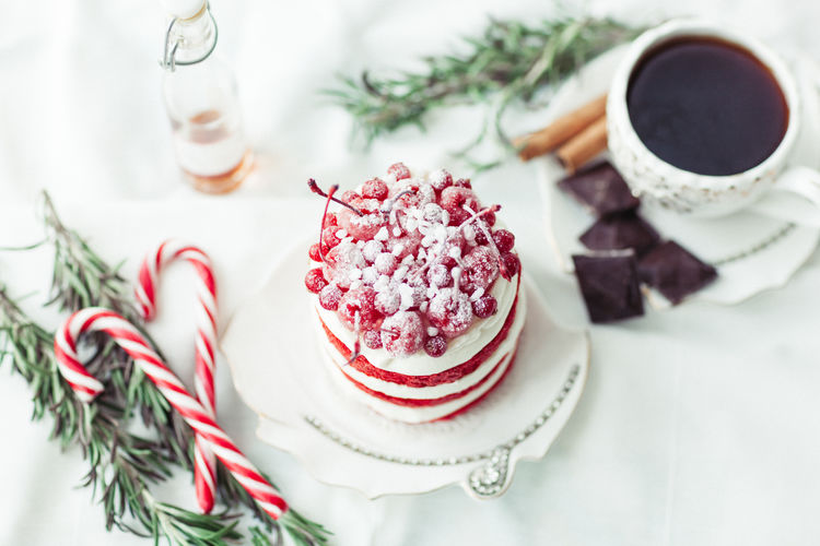 Food And Drink Food Sweet Food Sweet Drink Freshness Dessert Indulgence Refreshment Temptation Table Indoors  No People Cake Mini Cake Red Velvet Cake Christmas Still Life Food Photography Homemade Cake Coffee - Drink Coffee Mug Coffee Cup Ready-to-eat Hot Drink