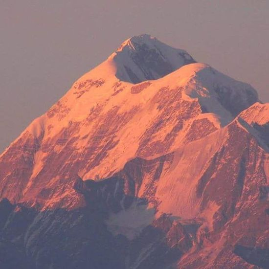 Trishul peak @ Sunset from Kausani. India Indiatourism Incredibleindia Uttarakhand Uttarakhandtourism Uttarakhandculture Kumaon Kausani Weekendinkumaon Travel Lpfanphoto