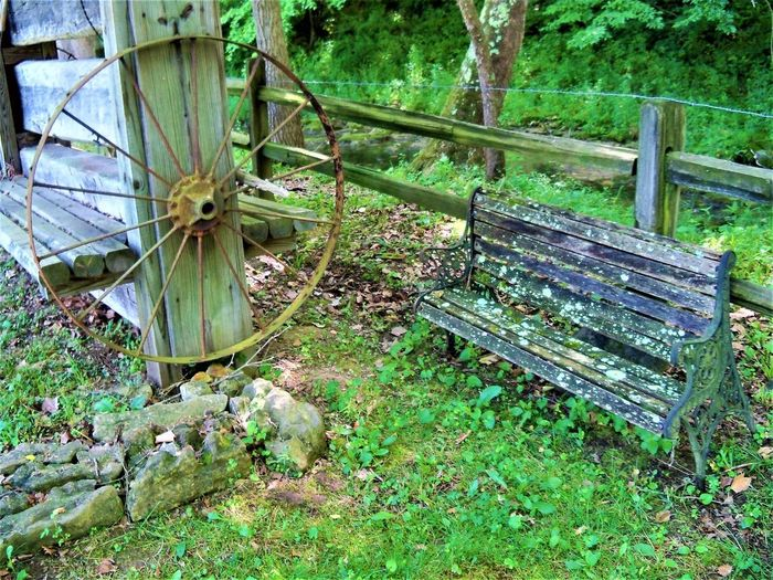 Country Life Bench Bench Seat Country Living Indiana Roof USA Wood Cast Iron Cast Iron Pot Cast Iron Skillet Country Life Day Fence Hoosier Hoosierstate Metal Metalwork Nature No People Outdoors Plant Repurposed Wood Wood - Material Wooden Wooden Structure