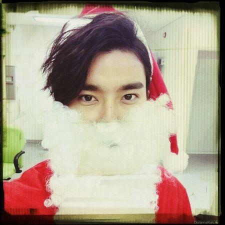 Скоро Новый Год!!! А я даже елку еще не ставила с: Super Junior Choi Siwon