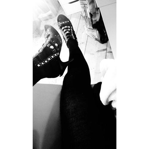Lovemyshoes Blvck&white