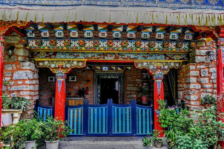 Architecture Sikkimese heritage house built in 18th century,owned by a high alpine tribe in sikkim, India Feel The Journey Natgeotravellerindia EyeEm Gallery EyeEm Best Shots Eyeemphotography Natgeoyourshot Natgeo Natgeotravelpic Original Experiences Off The Beaten Path Newtalent Heritageproperty Farmhouse Architectural Detail Sikkim Sikkim Architecture Oriental Design Oriental Architecture Fresh On Eyeem  TheWeekOnEyeEM Eyeem Market