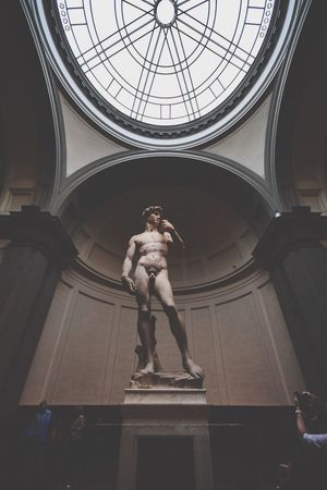 Human Representation Male Likeness Low Angle View Sculpture Indoors  Statue Skylight No People Fine Art Statue Architecture Sculpted Day