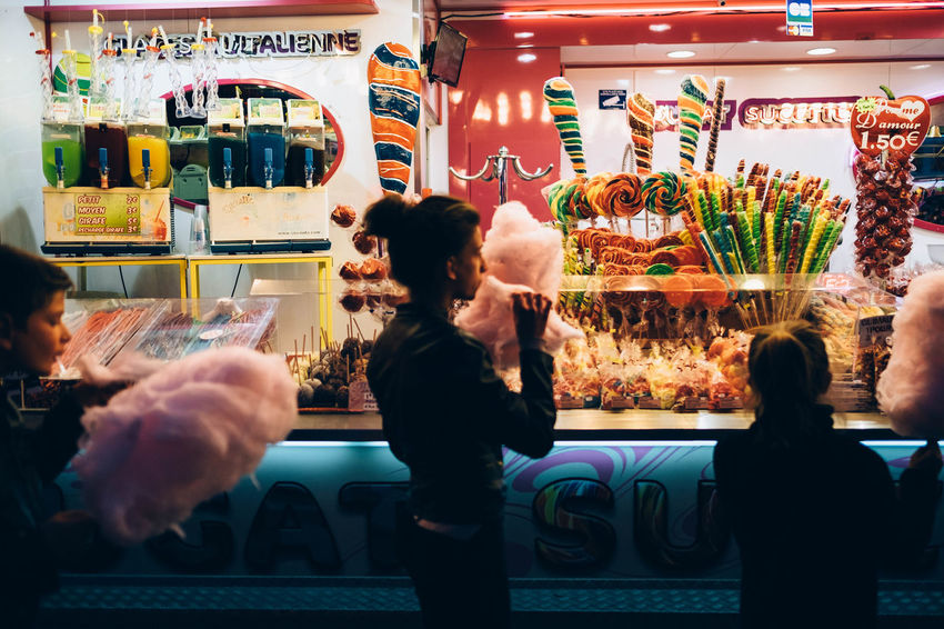 Barbe à Papa Fujifilm FUJIFILM X-T1 Fujifilm_xseries Fun Fair Night Light Night Lights Night Photography Nightphotography Sugar XF 23mm F1.4 R The Street Photographer - 2016 EyeEm Awards