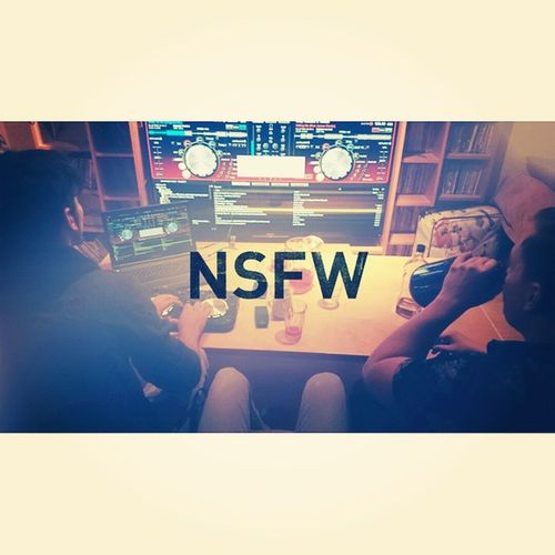 Late night mix sesh Hotdogsorlegs DJPapeet DjMikeBaesmith DjBobbyBeatz