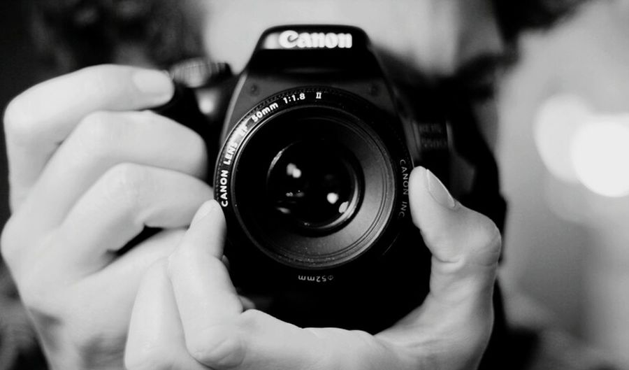 Canonphotography Photography Themes Camera - Photographic Equipment Photographing Photographic Equipment Digital Camera Photographer Lens - Eye Close-up Technology Holding One Person SLR Camera Human Body Part Adults Only Modern Television Camera People Human Hand