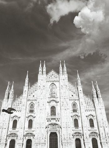 Milano Black & White Church