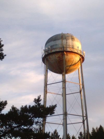 water tower Water Tower - Storage Tank Tree Storage Tank Business Finance And Industry Sky Architecture Built Structure Tower Rusty Water Tank Tall