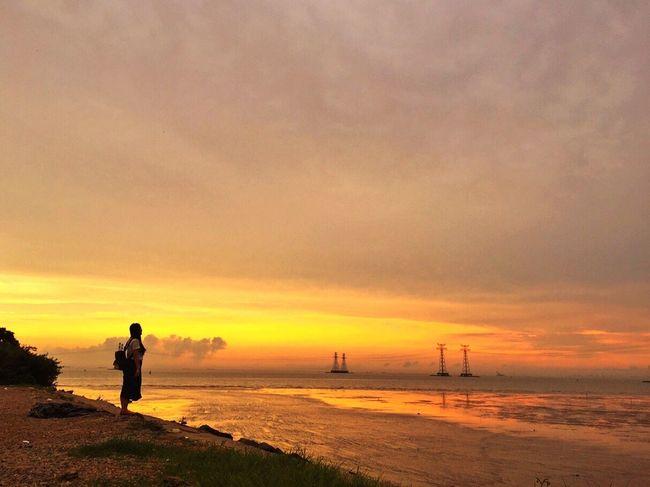 Her Sunset Enjoying Life Trave Alone Far Relaxing Afteroon Daydream Hello World Baoan Shenzhen China
