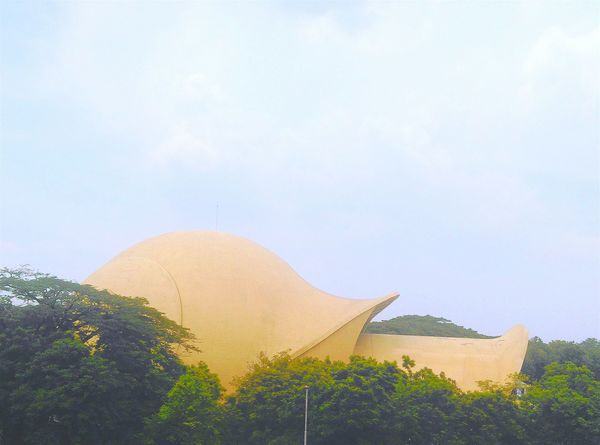 ...futuristic shape Looking Into The Future Sky Collection Theater Jakarta Indonesia_allshots Hello World EyeEm Indonesia INDONESIA Keong Mas Enjoying Life