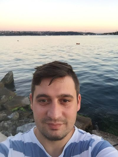 Check This Out That's Me Hanging Out Hello World Cheese! Hi! Relaxing Taking Photos Enjoying Life Follow #f4f #followme #TagsForLikes #TFLers #followforfollow #follow4follow #teamfollowback #followher #followbackteam #followh First Eyeem Photo Love Get Your Guide Cityscapes Istanbuldayasam