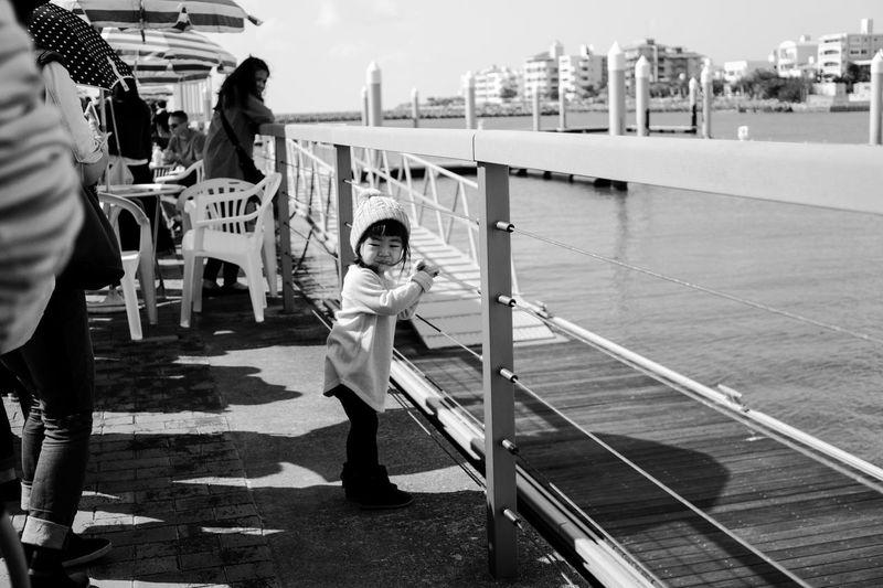 Sony A6000 People A6000 Sony Love Girls Ocean Natural Light Portrait Okinawa Oki Kids Okinawa Love Street Photography Black And White Black & White Chatan
