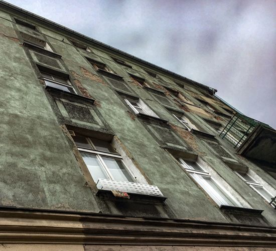 Zielina Kamienica Green House Stara Kamienica Balkon Green House Zielona Kamienica Okna Kamienica Tenement House Window Architecture Building Exterior Building Architectural Style Low Angle View Built Structure No People Day
