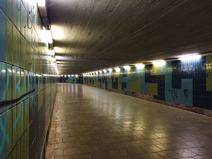 Tunnel Subway Tiles Blue Green Underground Walkway Lights Reflection Passage Hallway Long Turquoise Green And Blue City Public Architecture