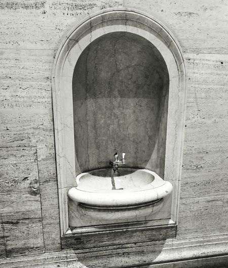 Indoors  Arch Bathroom Sink Day Architecture No People Black And White Photography Blackandwhite Black And White Black & White Blckandwhite B&w
