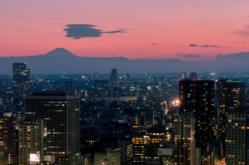 Building Exterior City Architecture Cityscape Illuminated Building Built Structure Sky No People Sunset Office Building Exterior Skyscraper Nature Night Dusk Urban Skyline Cloud - Sky Residential District Outdoors Modern Financial District  Tokyo,Japan Mtfuji
