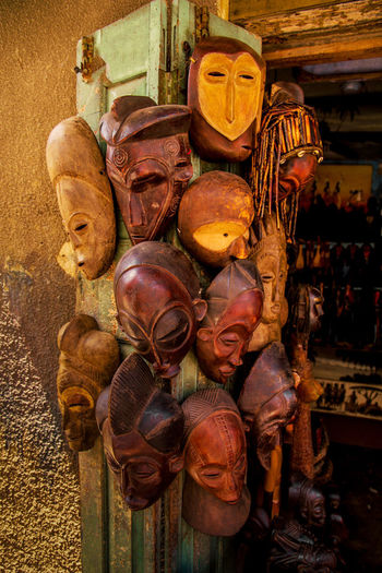 Statues for sale in market