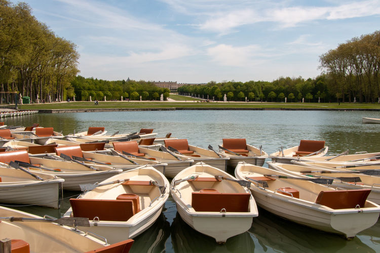 Boats on versalles