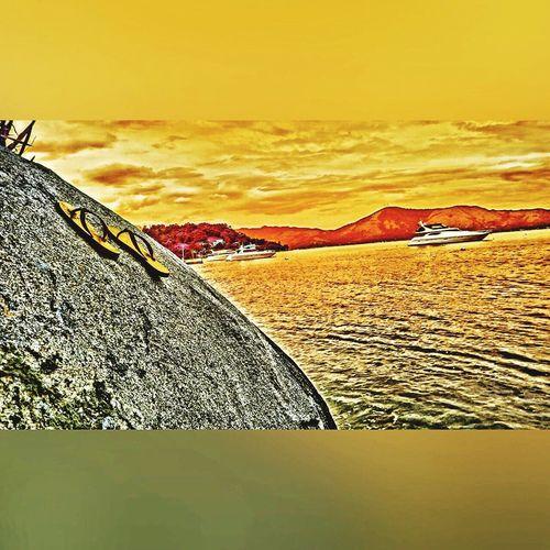 Angra Dos Reis RJ BRASIL ☀️🇧🇷 Pastel Power Summer Beachphotography Water Reflections Beach EyeEm Team Sea EyeEm The Best Shots