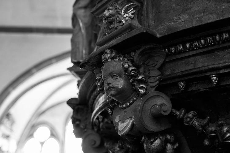 Aschaffenburg Stiftsbasilika Close-up Sculpture Angle Architecture Church Religion Historic Darkness And Light Light And Shadow Perspective Single Light Source Mood Lucky's Mood Lucky's Monochrome Monochrome Black And White Black And White Photography Shootermag Tranquility Melancholy Faith Bavaria Depth Of Field Bokeh Low Angle View Black And White Friday