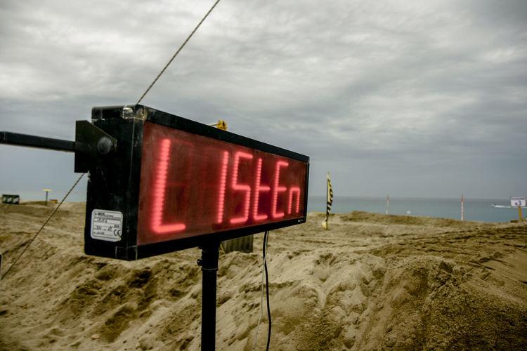 #ascolta #listeningtotheweeknd #sand #tecnology Cloud - Sky Day Illuminated Nature No People Outdoors Red Sky Text