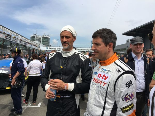 RTL Nitro's premiere featuring 24h nonstop broadcasting from the famous 24 hour race at Nürburgring. Worldrecord for the longest Live-Broadcast goes to RTL Nitro! #24 24 Stunden Am Tag 24h Dream Cars Nitro Nurburgring Rtl Vintage Cars Worldchampionship