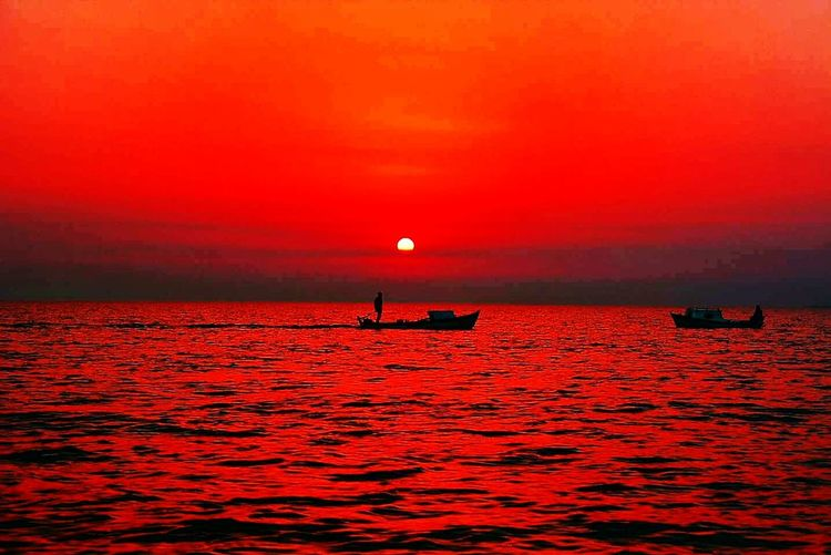 Good Night Twilight Fisherboat Fishermen's Life Sunset Sunrise Sun Down Red Sky Red Sky At Sunset Sea And Sky Red Sea Memories Seascape Nature_collection Hello World Sunset_collection Red Square Feel The Moment Life Sky_collection Twighlight Red Sundown Nature Colour Palette Naturelovers Colour Of Life