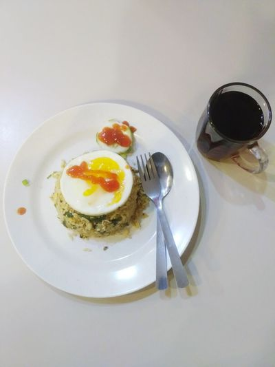 Egg Egg Yolk Sunny Side Up Food And Drink Fried Egg Food Plate Breakfast Healthy Eating Indoors  No People Freshness Egg White Ready-to-eat Close-up White Background Day Fried Food Fried Rice Layflat Copy Space Background Table Restaurants Cafe Time