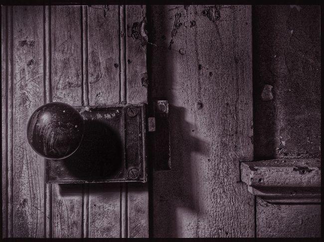 Antique Old House IPadography Blackandwhite Old Door Dark Mood Basement