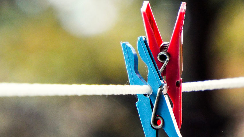 69👌 Abstractart Archery Art ArtWork Blue Clips Clips On Wire Close-up Clothespin Day Focus On Foreground Frendship Friend Love Lovelovelove No People Outdoors Red Together