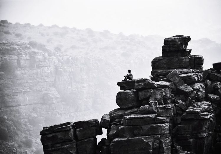 Edgy Solitude GandikotaTrip Gandikotafort Fort Gorge Solitude Solitary Solitary Moments Solitude And Silence Cliff Clifftop Cliff Edge Morning Foggy Morning Foggy Day India Adventure Adventure Time Adventurer Trekking Trek Trekking #travelling #sightseeing Nature Naturelovers Peaceful Statue Old Ruin Ancient History Canon Fortress Capture Tomorrow