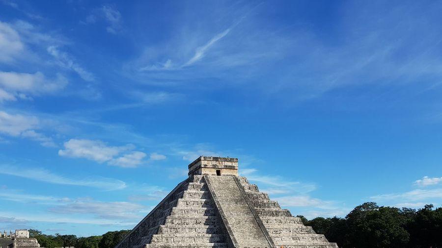 pyramid chichen itza Chichen Itza Mayan Maya Ancient Pyramid KuKulcan Ancient Civilization Tree Ancient History Blue Pyramid Sky Architecture Cloud - Sky Built Structure Civilization
