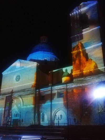 Architecture Luminosity light and reflection Light In The Darkness Urban Scene St.Thomas Church In Ortona PPP Church Architecture Church Reflection Images On The Wall Illuminated Architecture Close-up Sky Historic HUAWEI Photo Award: After Dark